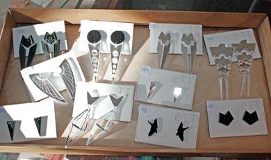 Lokalt design – øreringe i plexiglas