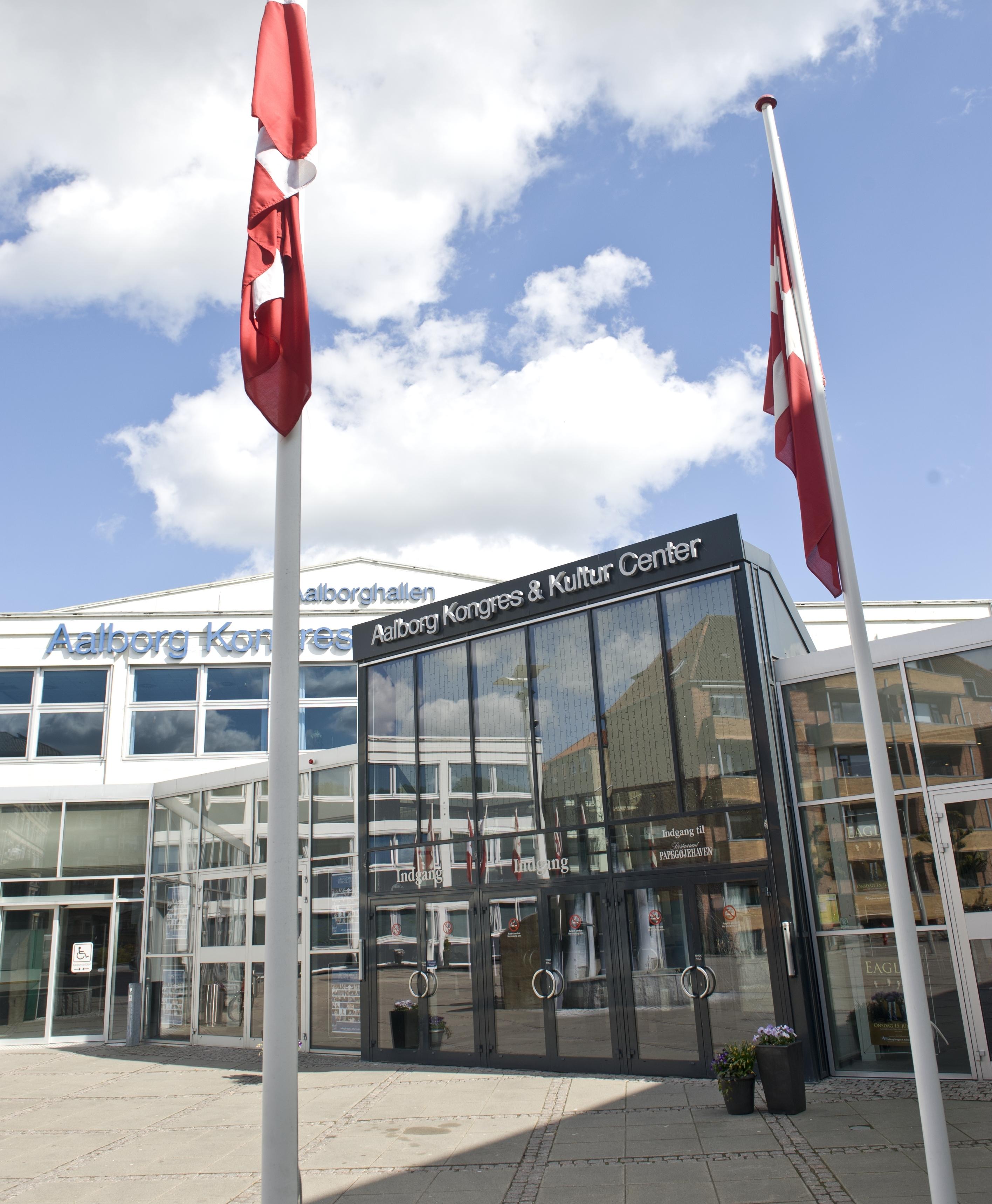 Spar 30-80% på alle varer til Trademark Fashion Outlet i Aalborghallen